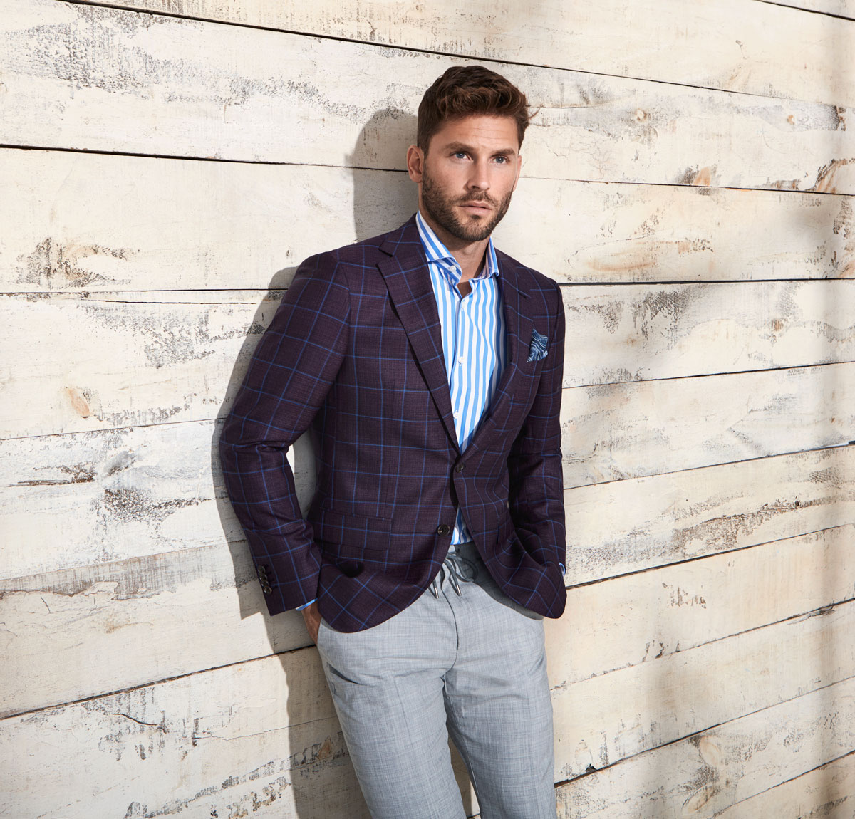 HOW TO WEAR A SUIT WITHOUT A TIE